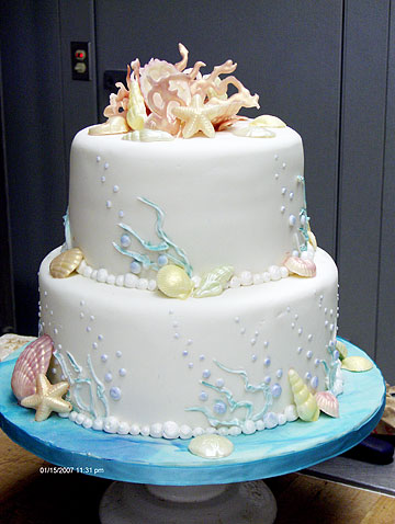 Abi Langlas 39 oceanthemed wedding cake includes sea shells and pearls