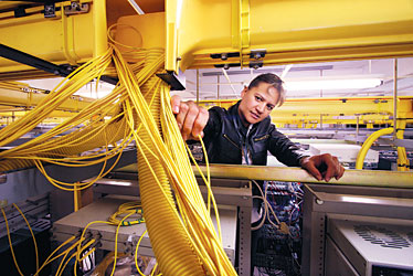 Networking for business | starbulletin.com | Business | /2008/02/18/